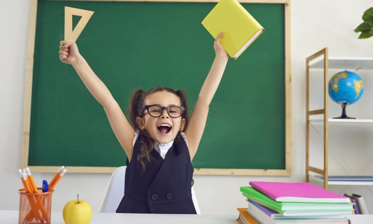 В часа работы школе стоимость одного учителя ли золотые сдать в можно часы ломбард