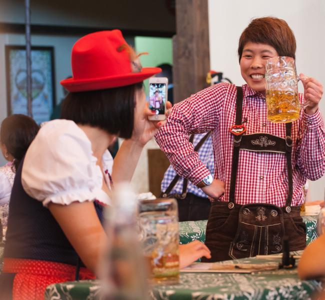 Азиатский турист на Октоберфест